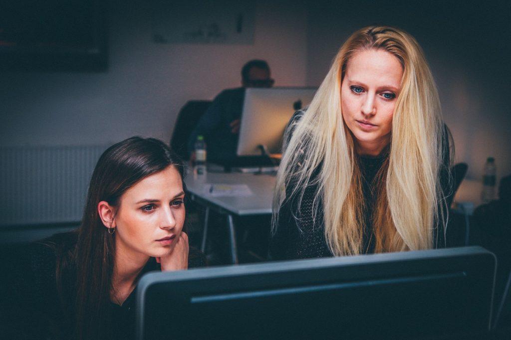 women, teamwork, team-1209678.jpg